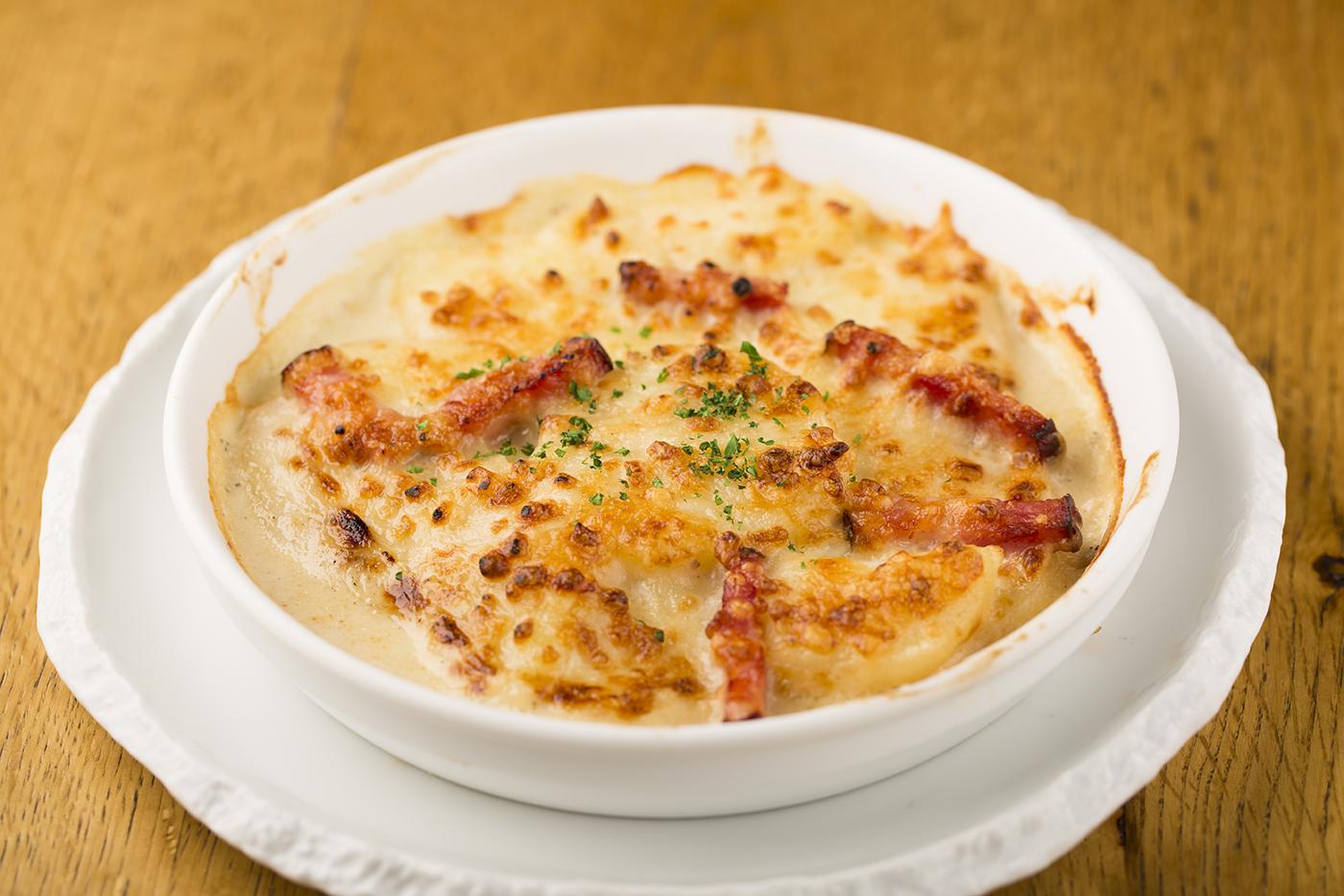 アンチョビとジャガイモのチーズグラタン